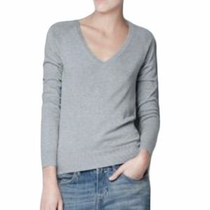 Zara Fitted Gray V-neck Sweater Size: Small